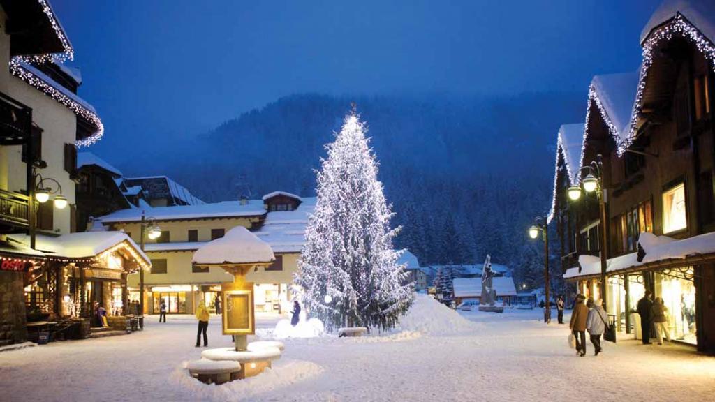 Waiting for Christmas - Free Ski Week